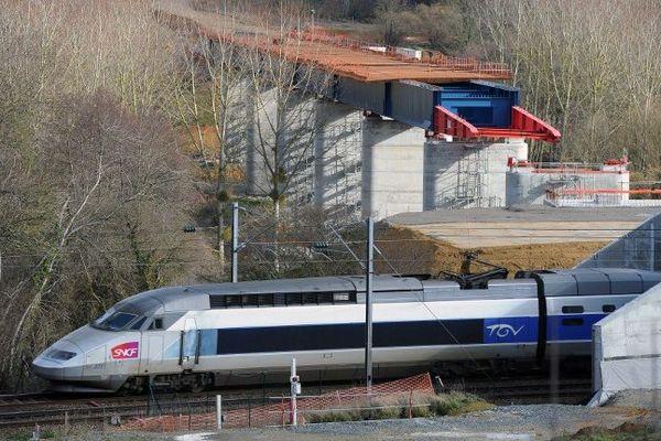 Un TGV devant relier Perpignan à Paris a été boqué ce mercredi matin peu après son départ.