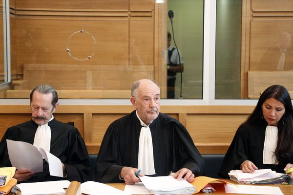 Maîtres Frédéric Monneret, Alain Lhote et et Valérie Coriatt avocats de Farid Houssine accusé d'être à l'origine de la fusillade
