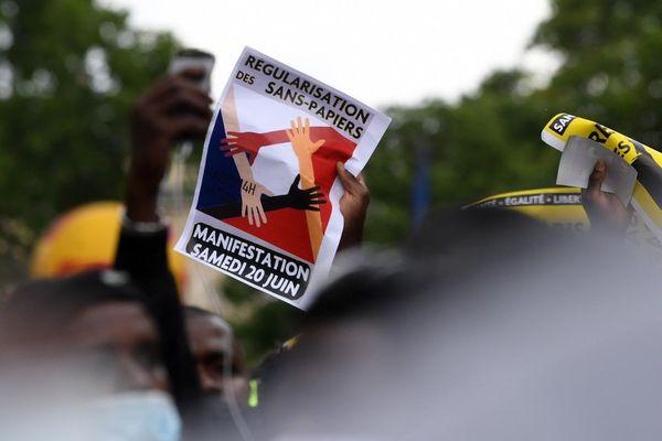 La manifestation du 17 octobre était le troisième acte, après celles du 30 mai et du 20 juin.