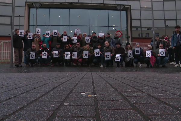 Une quarantaine de professeurs du lycée Tocqueville de Cherbourg manifestaient contre la réforme du bac le mardi 28 janvier 2020