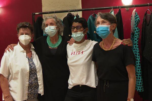De gauche à droite, Evelyne Monteil, Florence Fléouter, Leïla Lemarchand et Monique Boudet, avant la représentation.