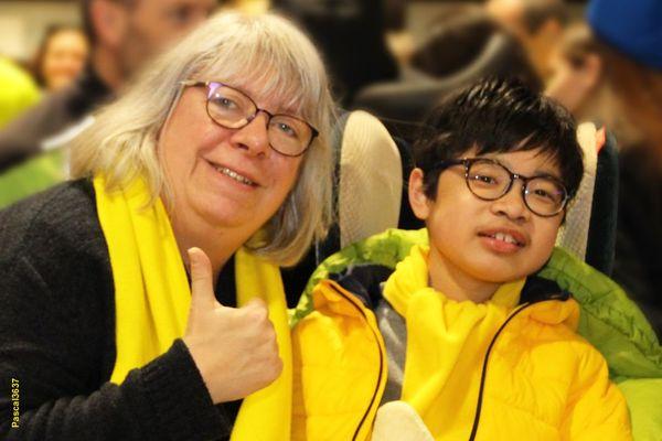 A 12 ans et demi, Noam est atteint par la myopathie de Duchenne, une maladie dégénérative des muscles qui touche un jeune garçon sur 3 500. Pour lui et sa maman, le Téléthon est synonyme d'espoir.