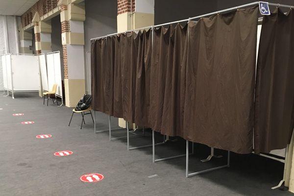A Eu, les bureaux de vote sont délocalisés pour respecter les mesures de distanciation sociale.