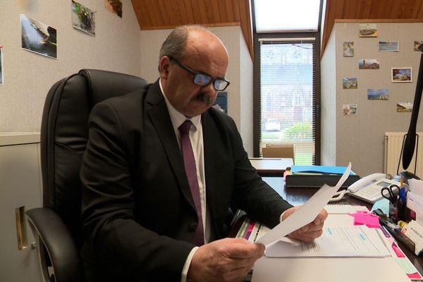 Pierrick Gouronnec, le maire de Pleumeur-Gautier (Côtes d'Armor) se réjouit de ce legs considérable pour sa petite commune