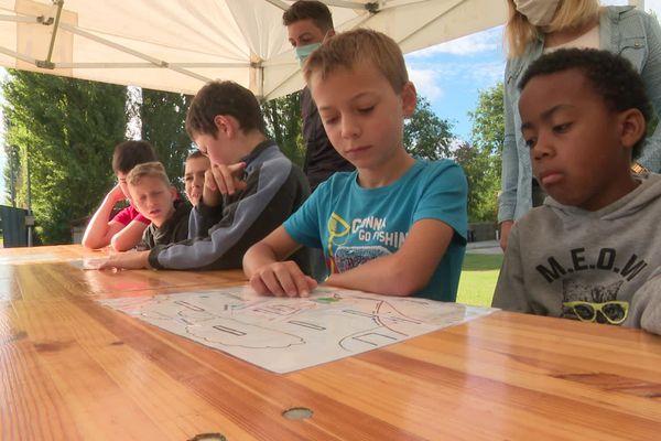 """A Saint Sauveur dans la Somme, plusieurs dizaines d'enfants vont allier apprentissages et vacances grâce au dispositif """"les colos apprenantes""""."""