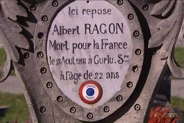 Une tombe de soldat mort pour la France dans un cimetière de Besançon