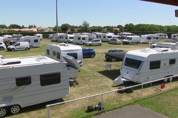 Dimanche dernier, une centaine de caravanes s'est installée sur la pelouse du stade de Saujon.