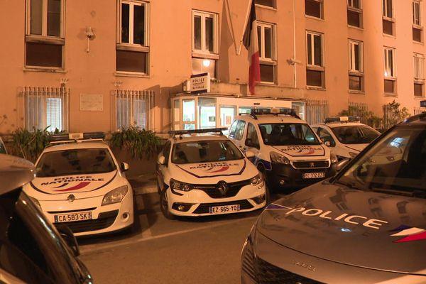 Le joueur du FC Sochaux a passé la nuit de samedi au commissariat d'Ajaccio. Placé en garde à vue, il a été libéré ce dimanche après-midi.