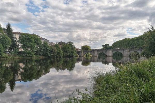 Nuages sur les bords de Vienne à Limoges