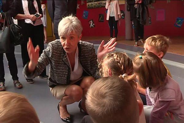 Claudie Haigneré à la rencontre des élèves de l'école qui porte son nom à Hérouville-Saint-Clair