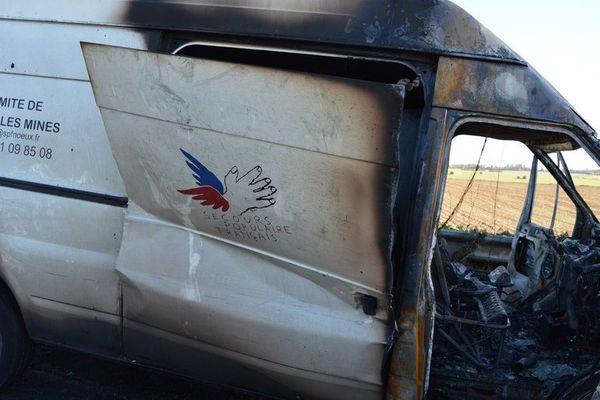 Le camion a été retrouvé brûlé entre Mazingarbe et Noeux-les-Mines.