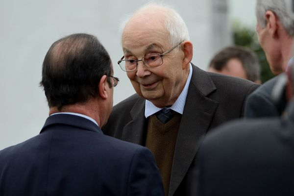 François MICHELIN, en compagnie François HOLLANDE lors de sa visite du site de Ladoux, à Cébazat le 17 avril 2014