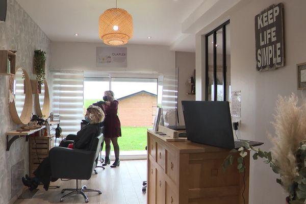 Février 2021 : une habitante de l'Eure a aménagé un salon de coiffure dans l'ancien garage de son pavillon