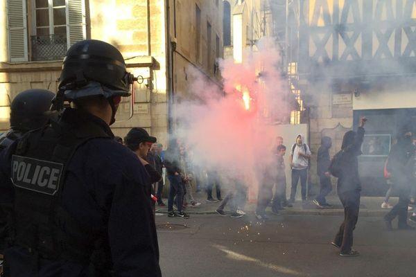 A Dijon, près de 2000 personnes ont participé à la manifestation contre la réforme du code du travail mardi 12 septembre 2017
