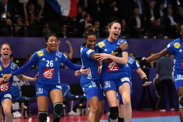 Victorieuses lors du championnat d'Europe organisé en France (ici en 2018), les Bleus joueront la qualification pour l'édition 2020 face à la Turquie à Amiens.