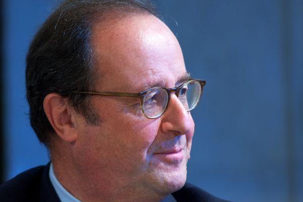 L'ex-président s'est rendu à Lespesse, village du Pas-de-Calais, pour les voeux du maire.