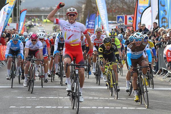 Le Français Christophe Laporte (Cofidis) est le nouveau leader de l'Etoile de Bessèges cycliste grâce à sa victoire vendredi dans la deuxième étape disputée sur 157,9 km entre Saint-Geniès-de-Malgoirès et La Calmette (Gard).
