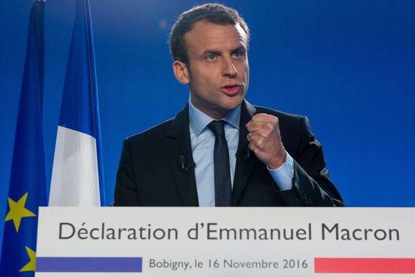 Emmanuel Macron et fondateur du parti politique En Marche annonce a Bobigny sa candidature à la presidentielle de 2017