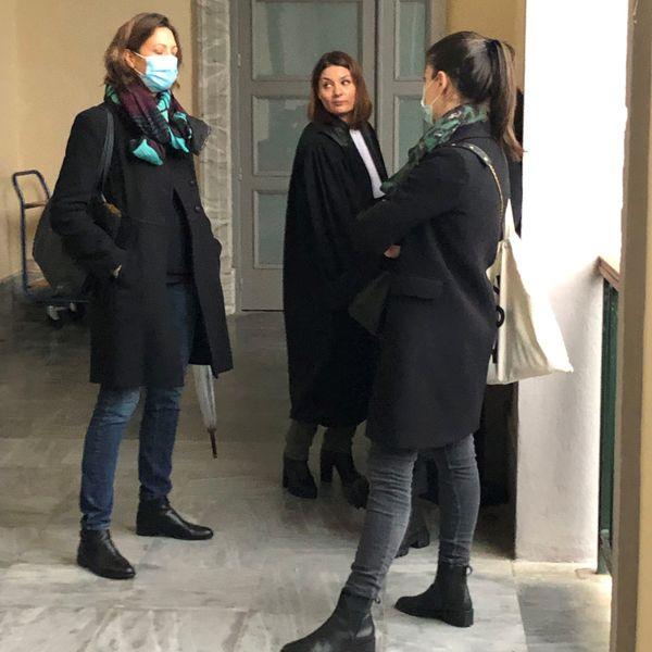 Stéphanie Pradelle, avocate générale, entourée deux deux avocates de la partie civile, Cynthia Costa Sigrist et Prescillia Cesari (de dos).