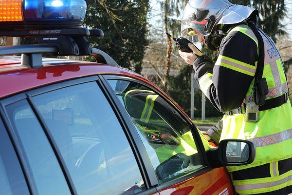 Un pompier lors d'un accident en Alsace en janvier 2020. (image d'illustration)