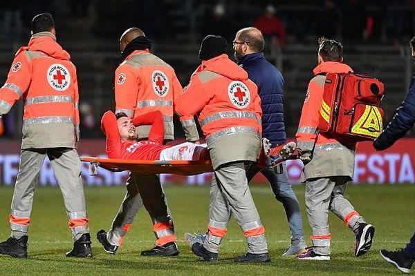 Nîmes - Clément Depres blessé au genou lors du match contre Angers - 23 janvier 2019.