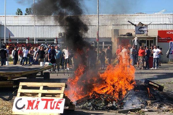 Les employés de l'usine Konecranes de Saint-Vallier sont en grève depuis le lundi 6 juillet.