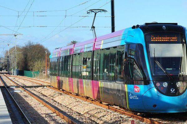 Rames trop courtes, les voyageurs du tramtrain de Châteaubriant à Nantes se plaignent de leurs conditions de transport