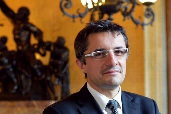 """""""The artist"""" 2012, l'artisan du projet de loi le plus culotté de l'histoire politique française."""