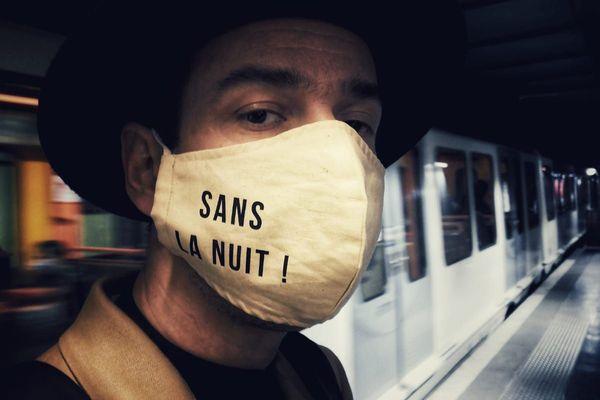"Nicolas Debru, réalisateur de la serie webdoc ""sanslanuit"" à Marseille."
