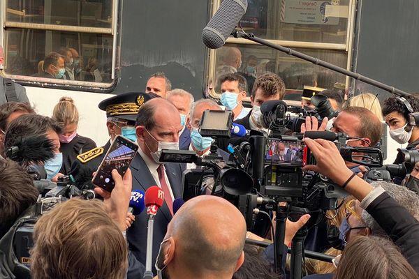 Le Premier ministre Jean Castex a inauguré la première liaison de nuit Paris-Nice en train, en arrivant à Nice ce 21 mai au matin.