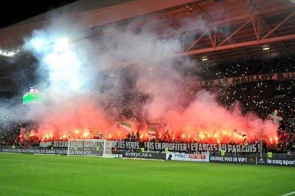 Malgré la ferveur des supporteurs stéphanois qui rend le Chaudron unique, la défaite a été sans appel (0-4) face au PSG