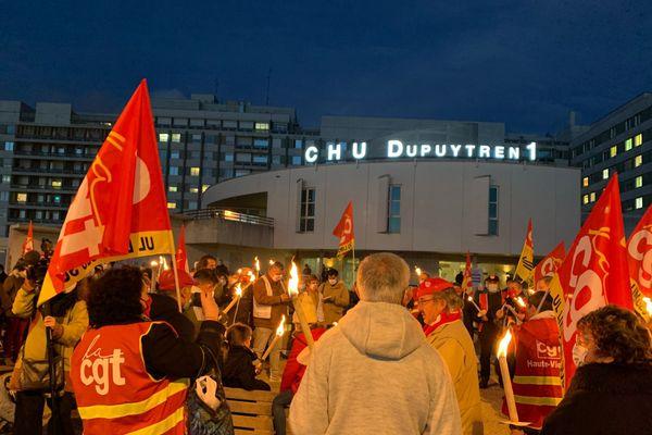 Manifestation ce soir devant le CHU de Limoges.