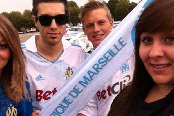 Sylvain Miano (ici avec les lunettes) avant de voir jouer l'Olympique de Marseille