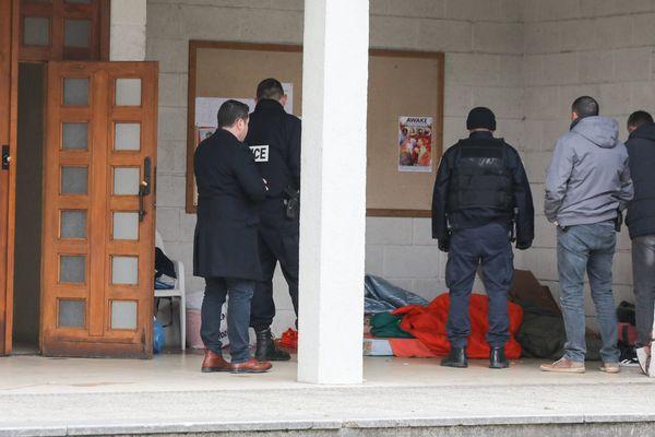 Découverte d'un SDF mort sous le préau de l'église Sainte Catherine