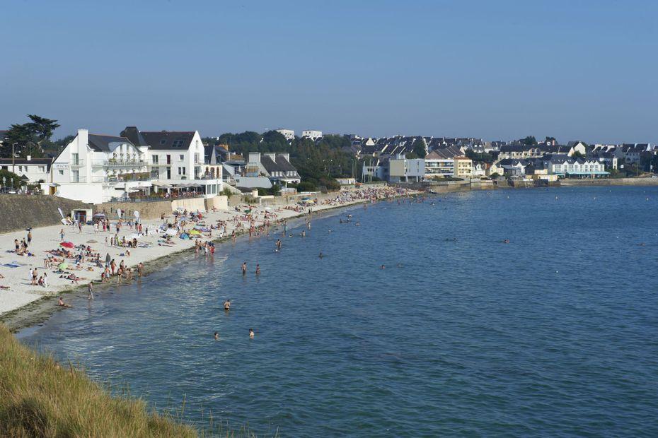 Une plage, une histoire : la plage des Sables Blancs à Concarneau, à l'ombre de Maigret