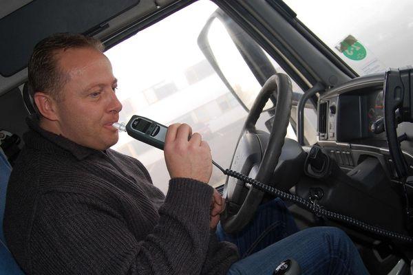L'éthylotest antidémarrage, une alternative à la suspension du permis de conduire.