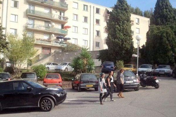 L'homme a été abattu derrière un groupe d'immeubles de la Margeray, à Marseille.