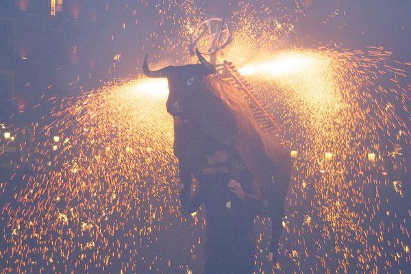 Démonstration parodique : toro de fuego