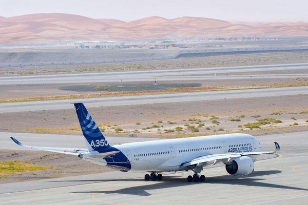 L'A350 sur la piste d'Al Ain