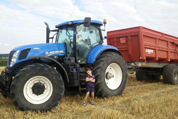 Gaël, 8 ans, a déjà visité deux fermes depuis la création du site de rencontre entre particuliers et agriculteurs.