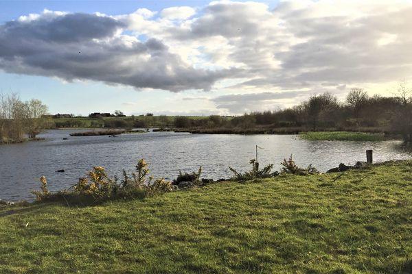 Nuages sur l'étang de Careil