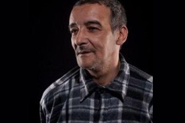Le comédien et metteur en scène Hocine Boudjemaa