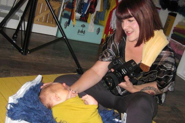 Aurélie Martineau pendant la séance de photos avec Yoenn.