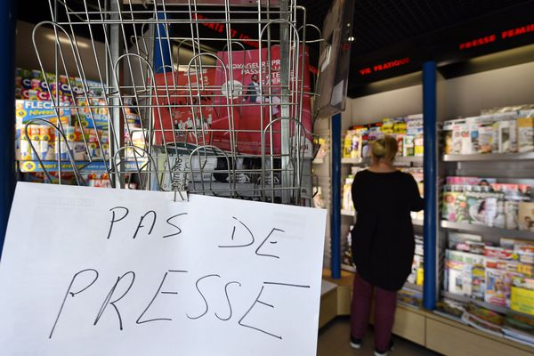 """""""Si cela continue, tous les kiosques vont fermer"""", s'inquiète le président de la fédération des distributeurs indépendants de journaux et magazines Culture Presse."""