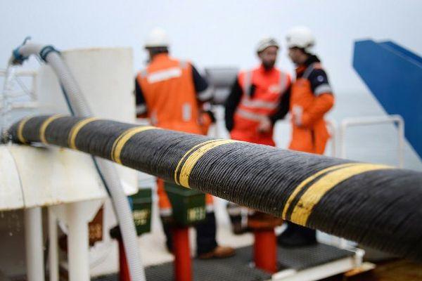 Un câble sous-marin électrique de 14,5 km est installé entre Quiberon et Belle-Ile-en-mer- 11/03/2015