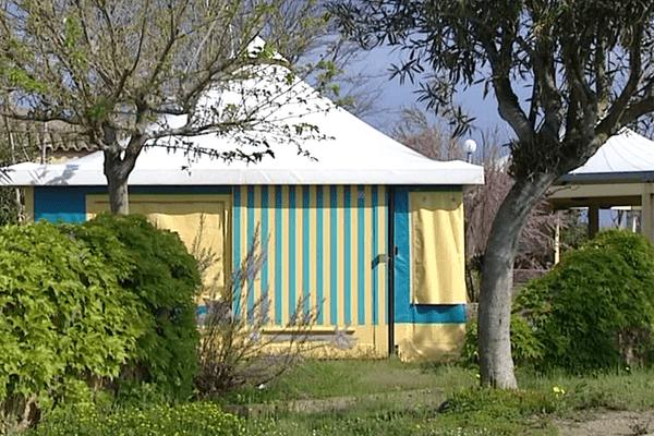 ILLUSTRATION - Le village de vacances de toile de la CCAS (caisse centrale d'activités sociales), gérée par la CGT, à Borgo (Haute-Corse)
