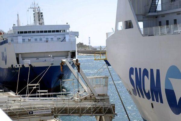 ILLUSTRATION - Navires de la compagnie maritime SNCM dans le port de Marseille