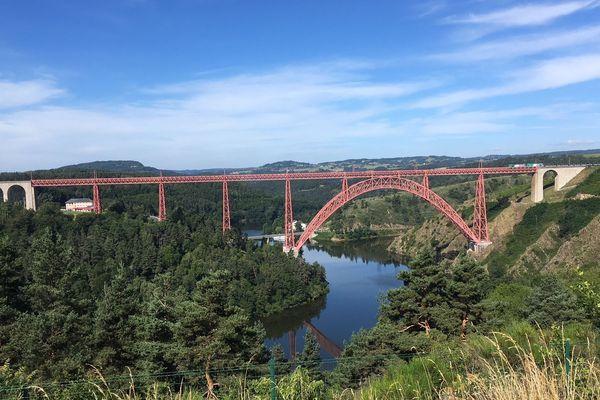 La viaduc de Garabit, dans le Cantal, avec quatre autres ponts européens va candidater pour une reconnaissance au patrimoine  mondial de l'Unesco.