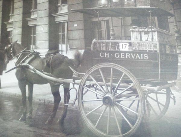 L'une des calèches Gervais qui acheminait les petits-suisses à Paris