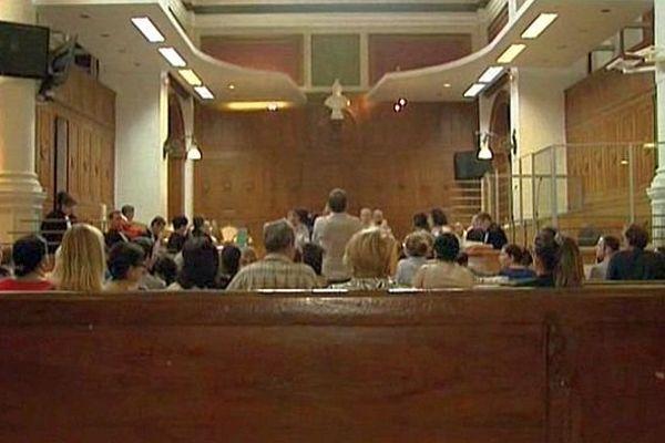 Nîmes - procès en révision d'Abdelkader Azzimani et d'Abdelrrahim El Jabri aux assises - 1er juillet 2014.